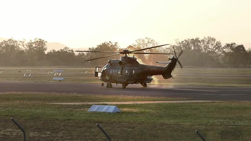 Exercise Wallaby 2018 - Super Puma Smoke.mp4