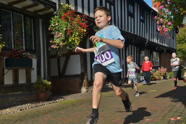 Kids Run Free Alcester Race