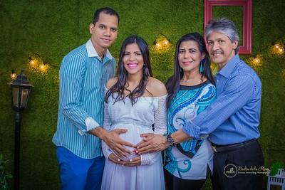 294. Massiel y Familia