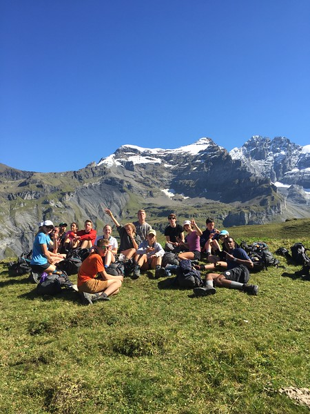 Hohturli pass group taking a break