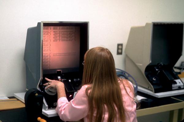 microfiche reader.jpg