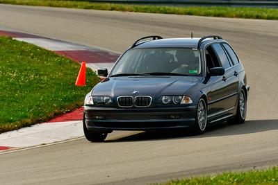 2019 SCCA TNiA Sept Pitt Race Gray BMW Waggon