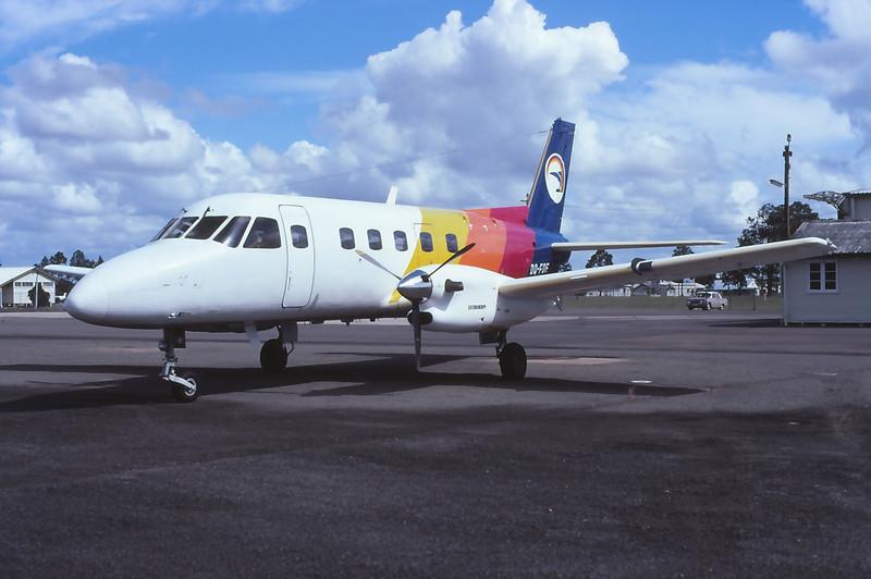 DQ-FDE AIR PACIFIC EMB-1011