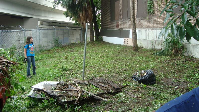Annie Lytle 2012 Cleanup Effort and Volunteers 018.jpg