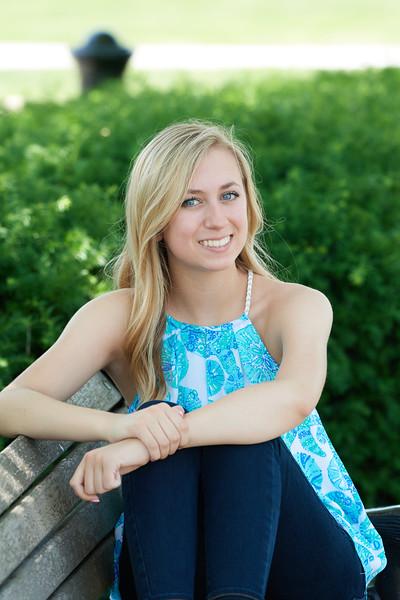 Megan Senior Pictures 0075 0.jpg
