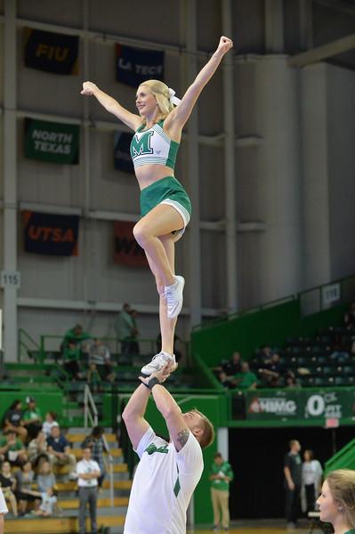 cheerleaders7026.jpg