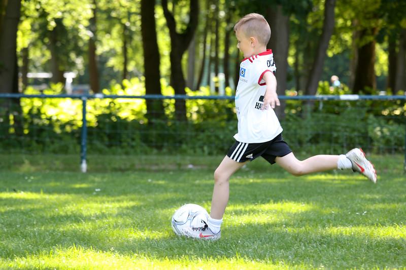 hsv_fussballschule-215_48047945971_o.jpg