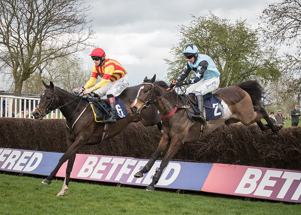 Uttoxeter Races - Sat 01 April 2017