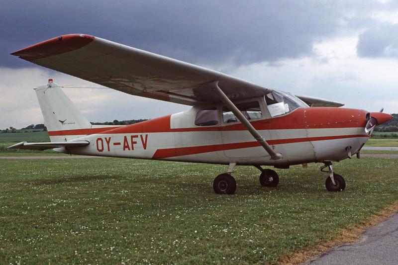 OY-AFV-Cessna172CSkyhawk-Private-EKHV-2000-05-19-HG-11-KBVPCollection.jpg