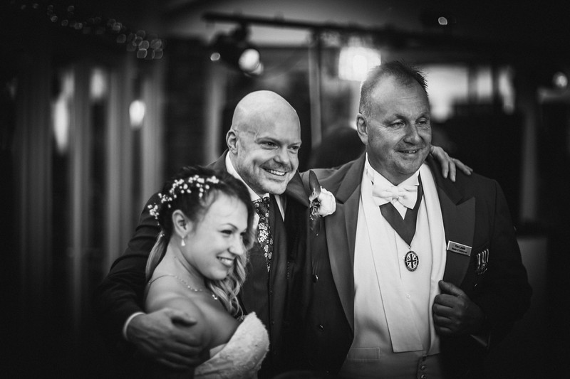 Sam_and_Louisa_wedding_great_hallingbury_manor_hotel_ben_savell_photography-0292.jpg