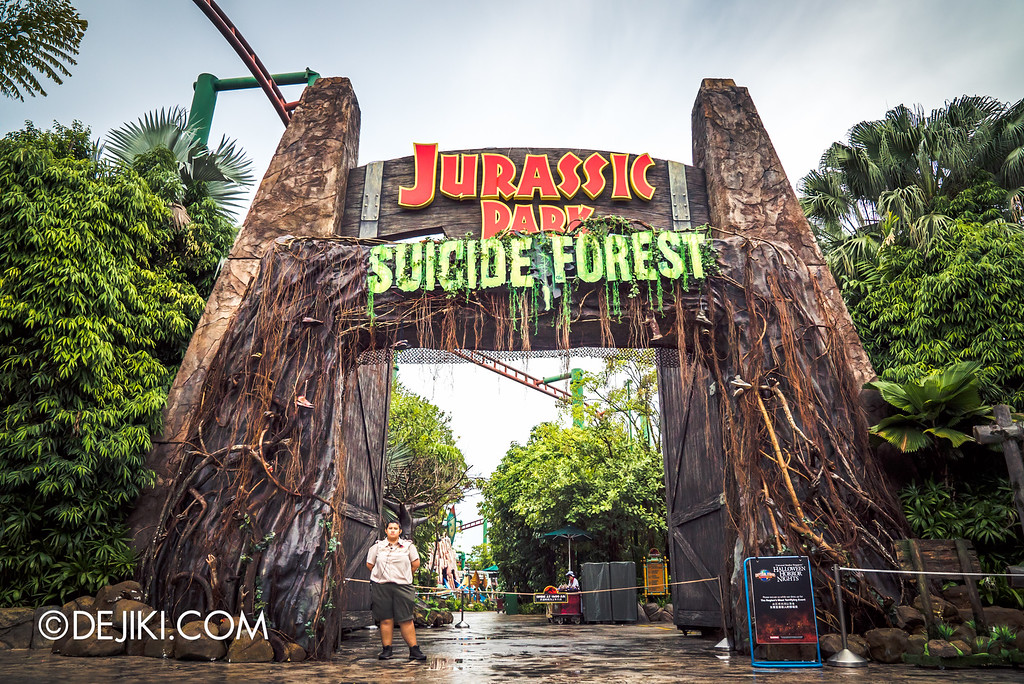 Universal Studios Singapore - Halloween Horror Nights 6 Before Dark Day Photo Report 2 - Suicide Forest scare zone entrance