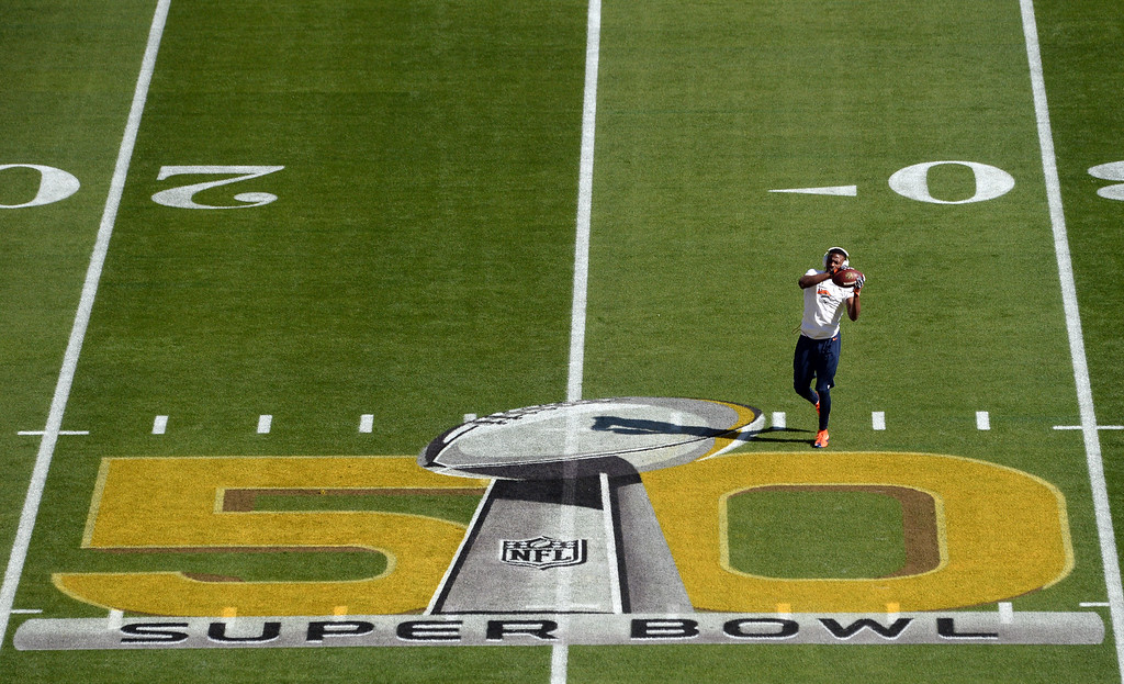 . SANTA CLARA, CA - FEBRUARY 7: Emmanuel Sanders (10) of the Denver Broncos practices warms up prior to the start of the game.  The Denver Broncos played the Carolina Panthers in Super Bowl 50 at Levi\'s Stadium in Santa Clara, California on February 7, 2016. (Photo by RJ Sangosti/The Denver Post)