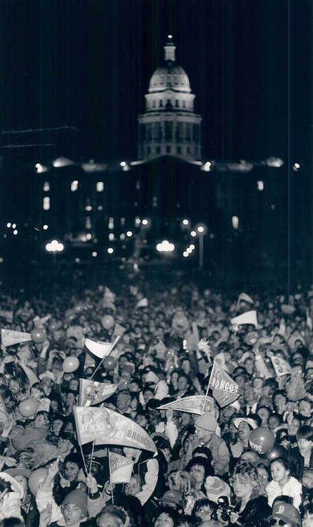 . JAN 27 1987 - The crowd at the city and county building. (Lyn Alweis/The Denver Post)