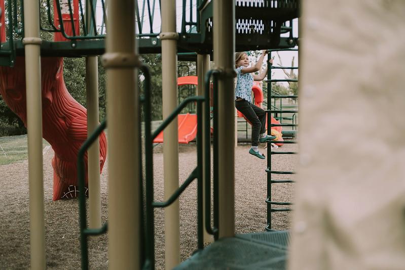 Eloise & Isabelle, BG Park 31.jpg