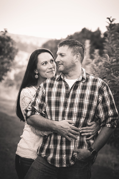 Nicole & Troy: Engagement Session at Alyson's Orchard