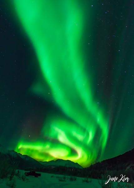 Nov20_Knik River Aurora__6105173-Edit-Juno Kim.jpg