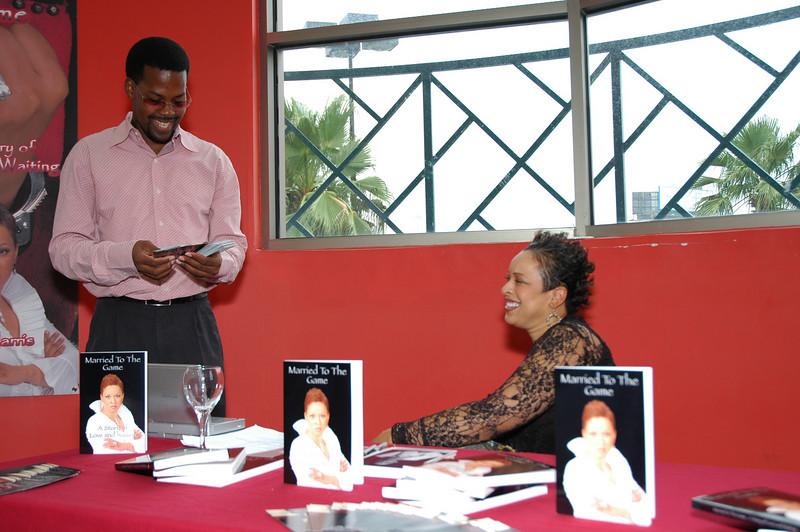 Lydia Harris Book signing 005.jpg