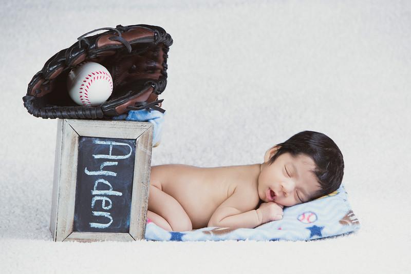 baby-ayden-new-born-portrait_0064.jpg