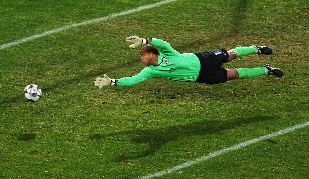 . Goalkeeper Tim Howard of the USA in action during the FIFA Confederations Cup Semi Final match between Spain and USA at Free State Stadium on June 24, 2009 in Bloemfontein, South Africa.  (Photo by Vladimir Rys/Bongarts/Getty Images)