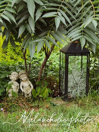 Syksyn tulo ahdistaa, valoa puutarhaan aurinkokennovalaisimilla ja miksi taas uusi blogi??
