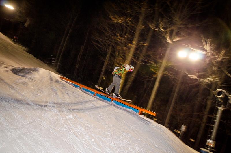 Nighttime-Rail-Jam_Snow-Trails-58.jpg