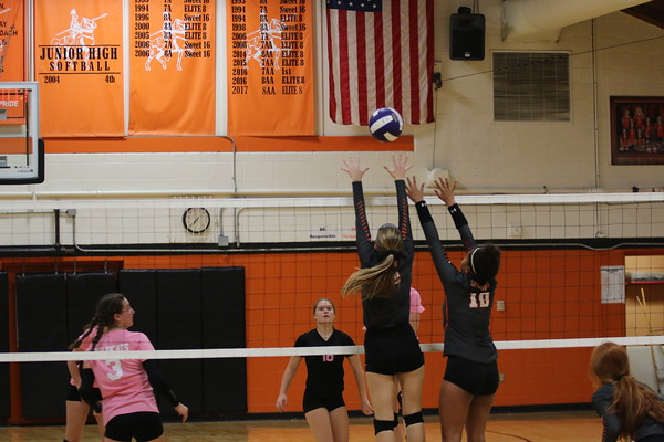 October 9, 2018 - Lincolnwood Volleyball vs. Mt. Olive