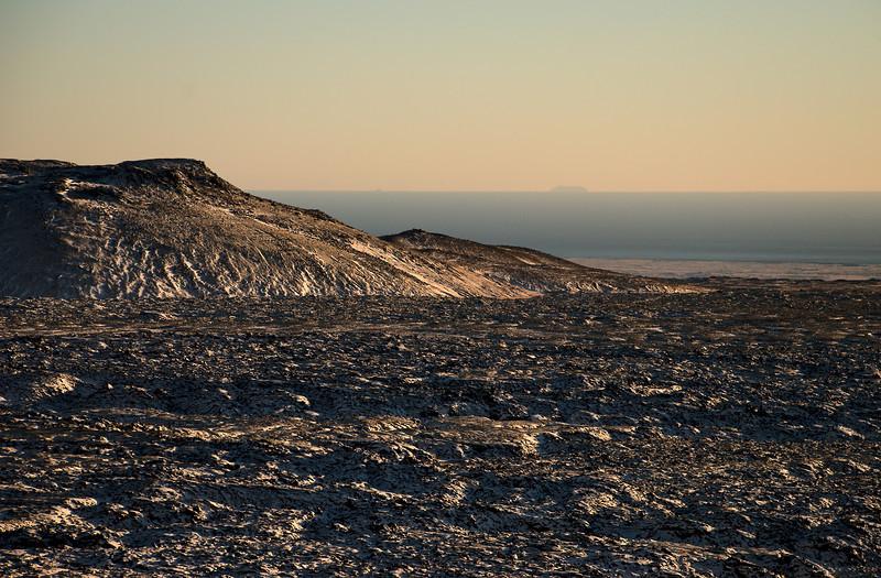 Vestri-Hvalhnúkur og Surtsey í fjarska