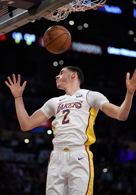 . Los Angeles Lakers guard Lonzo Ball dunks during the second half of an NBA basketball game against the Cleveland Cavaliers, Sunday, March 11, 2018, in Los Angeles. The Lakers won 127-113. (AP Photo/Mark J. Terrill)