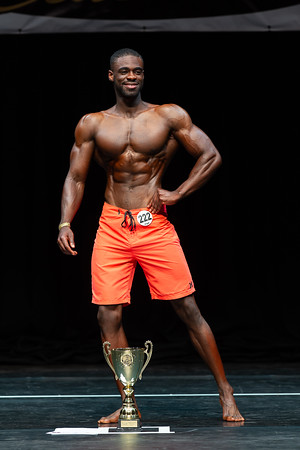 MEN'S PHYSIQUE OVER 179 CM