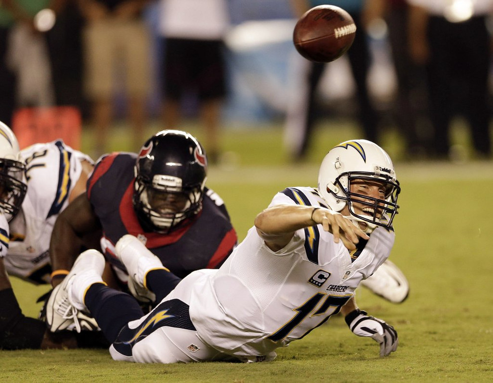 ". <p>5. SAN DIEGO CHARGERS <p>Norv Turner�s old team has gotten the blowing of three-touchdown leads down to a SCIENCE. (unranked) <p><b><a href=\'http://www.twincities.com/sports/ci_24058294/san-diego-chargers-blow-21-point-lead-lose\' target=""_blank\""> HUH?</a></b> <p>    (AP Photo/Gregory Bull)"