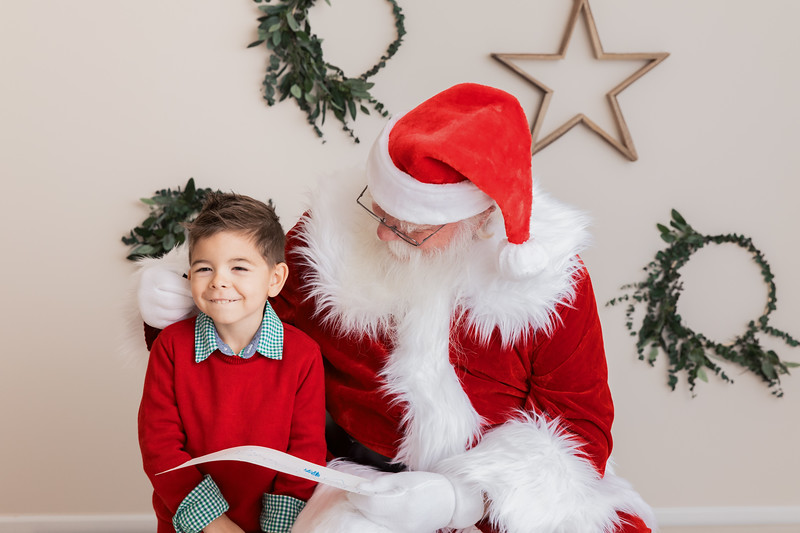 Santa 2017 HIGH Res 370A1018-Edit.jpg