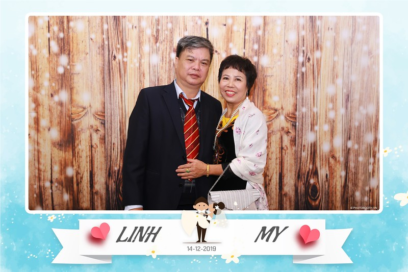 Linh-My-wedding-instant-print-photo-booth-in-Ha-Noi-Chup-anh-in-hnh-lay-ngay-Tiec-cuoi-tai-Ha-noi-WefieBox-photobooth-hanoi-159.jpg