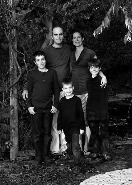 DSC_0507 family bw.jpg
