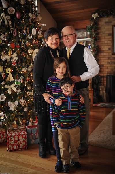 12-29-17 Tom and Maryln Edwards with grandchildren Phoebe and Ivan Edwards-Leeper-5.jpg