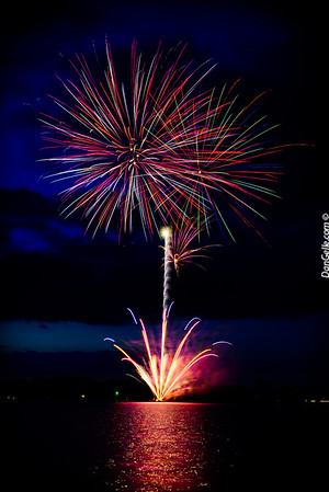 2016_Litchfield_Watercade_Fireworks
