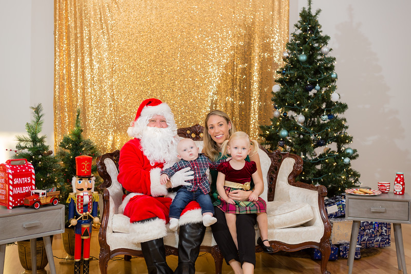 FADS Picture with Santa-213.jpg