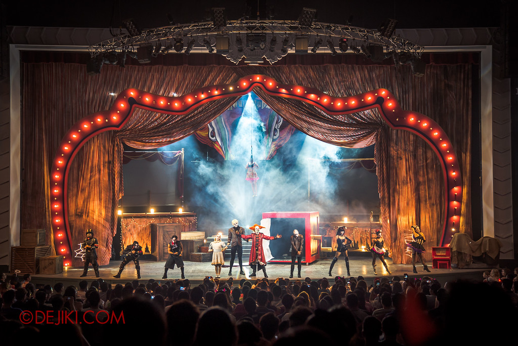 "Halloween Horror Nights 6 - Jack's Recurring Nightmare Circus / Finale stage shot""></p> <p><img src="