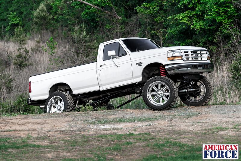 SDP-Kreg-O'Hara-White-1997-Ford-F250-24x12-Legend-@streetdieselperformance-170429-DSC05899-54.jpg