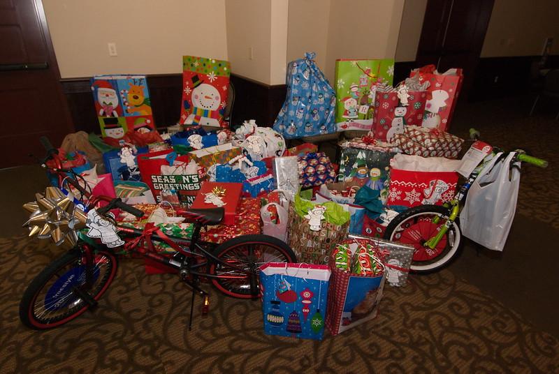 2013-12-15-FOCUS-Christmas-Presents_002.jpg