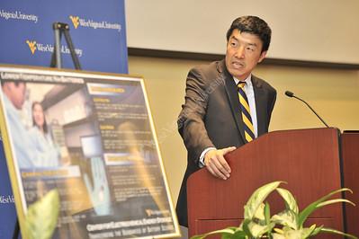 28603 Center for Electrochemical Energy Storage October 2012 (WVU Photo/Greg Ellis)