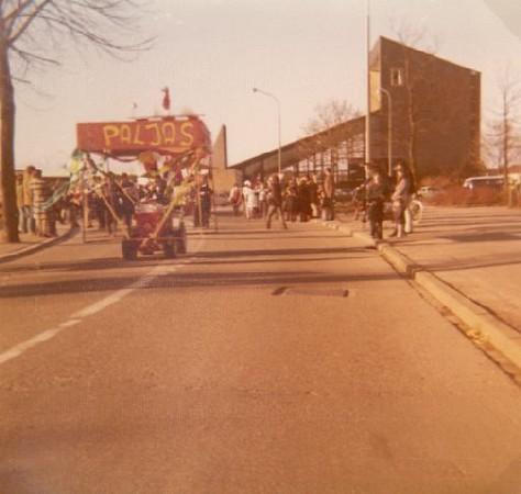 1976_08.jpg