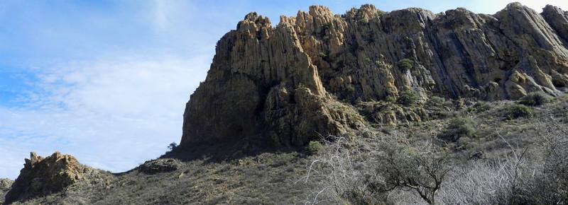 Pinto Canyon crag pano.jpg