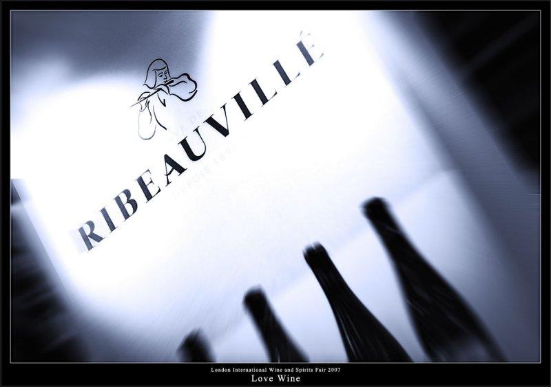 Love Wine (79789101).jpg