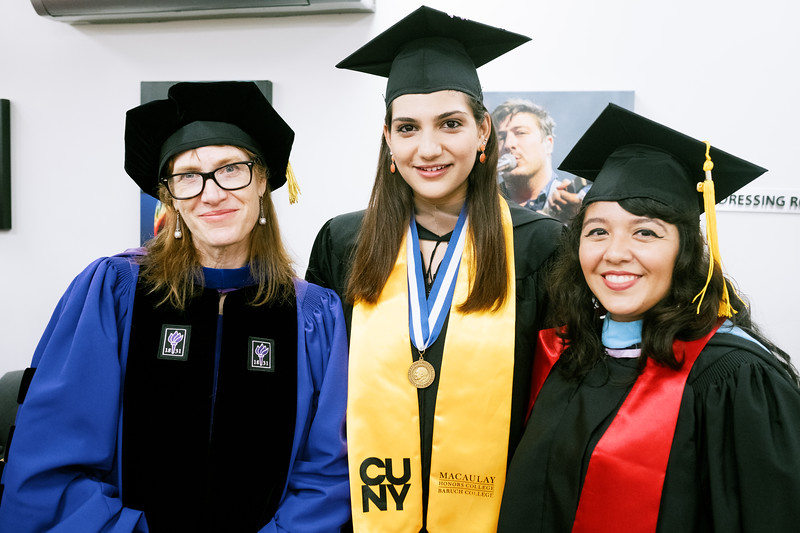 19.6.6 Macaulay Honors Graduation-054.jpg