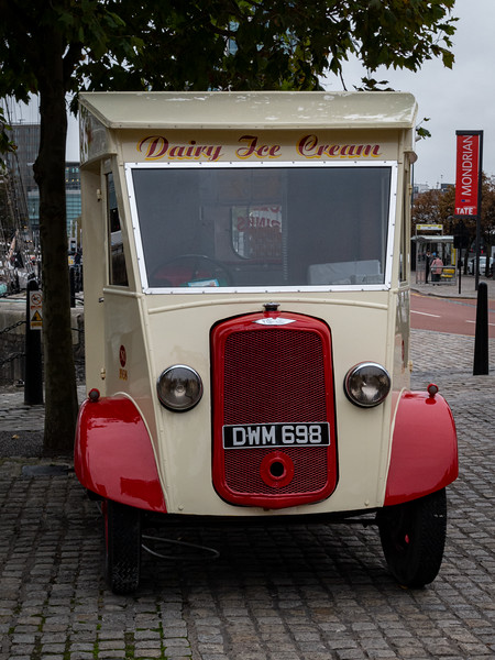 Heritage Commer Ice Cream Van Reg. No. DWM 698