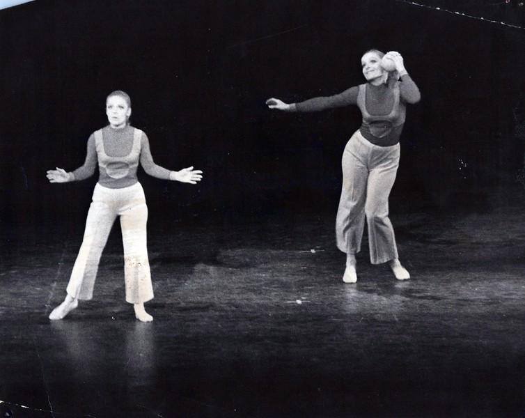 Dance_0860_a.jpg