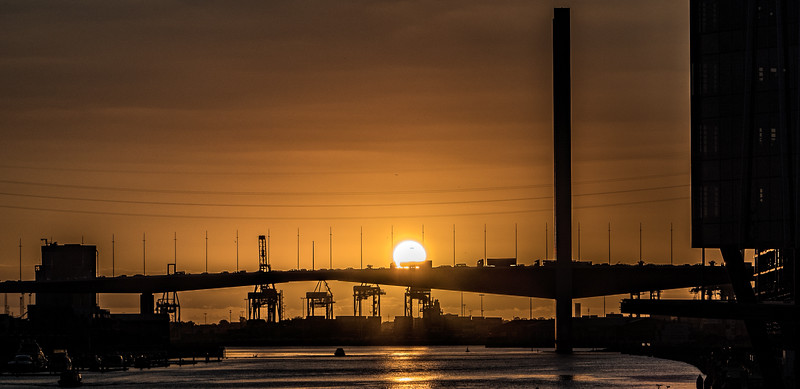 SUNDOWN OVER WESTGATE BRIDGE