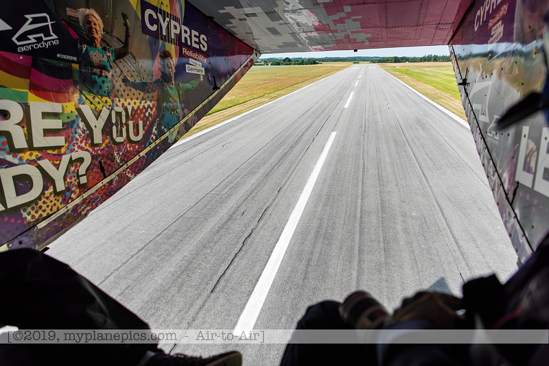 F20180609a105805_9172-décollage-Skyvan-porte ouverte-piste-Aalborg,Danemark.JPG