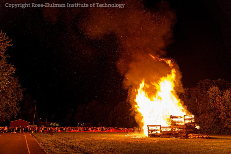 RHIT_Homecoming_2019_Bonfire-7449.jpg