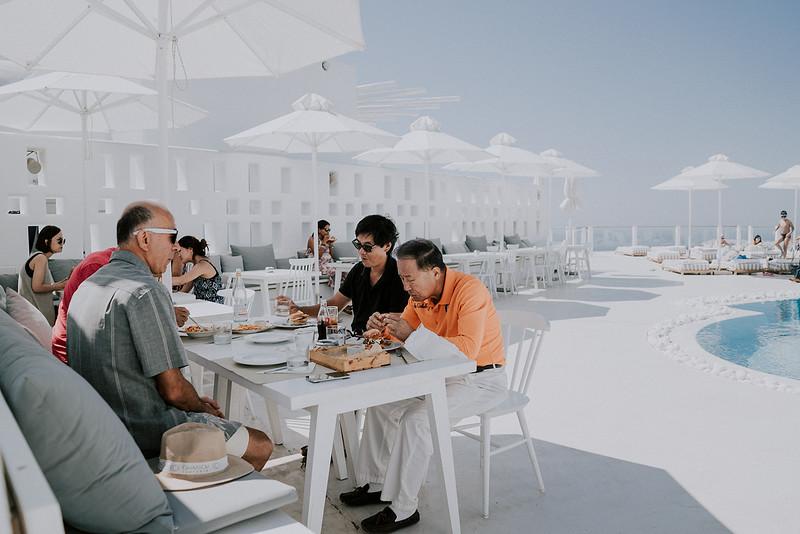 Tu-Nguyen-Destination-Wedding-Photographer-Santorini-Rocabella-Hotel-Euna-Ehsan-154.jpg